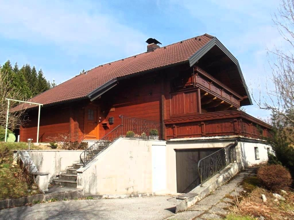 Stunning holiday chalet above Bad Goisern